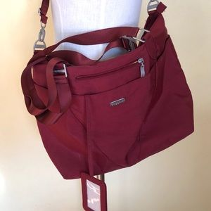 Baggalloni Crossbody/Hand Carry Theft Resistant